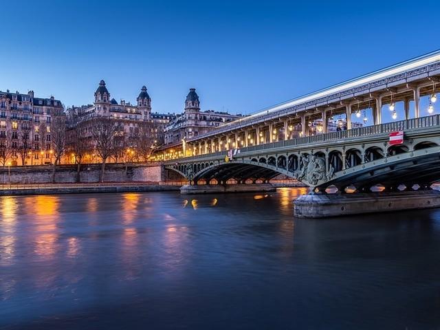 paris-4345139_960_720[1].jpg